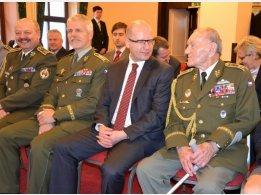 Oslava 93. narozenin generála Jaroslava Klemeše - popřát přišel i pan premiér Bohuslav Sobotka a náčelník generálního štábu generál Petr Pavel
